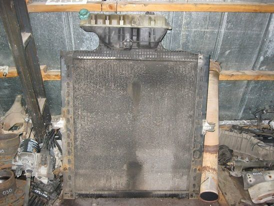 MAN engine cooling radiator for tractor unit