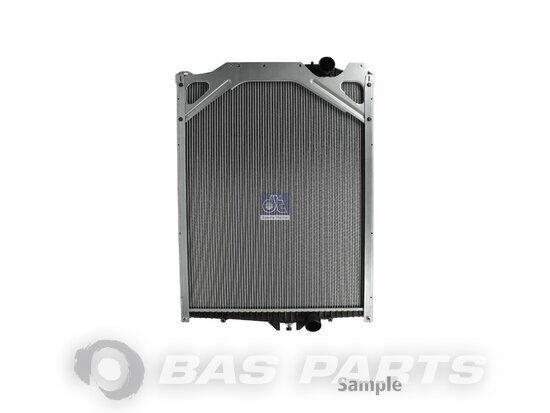 DT SPARE PARTS engine cooling radiator for truck