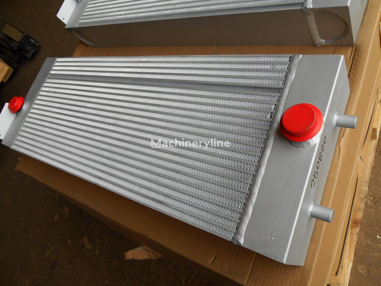 CASE CNH 211039-01 engine cooling radiator for CASE D125C other construction machinery