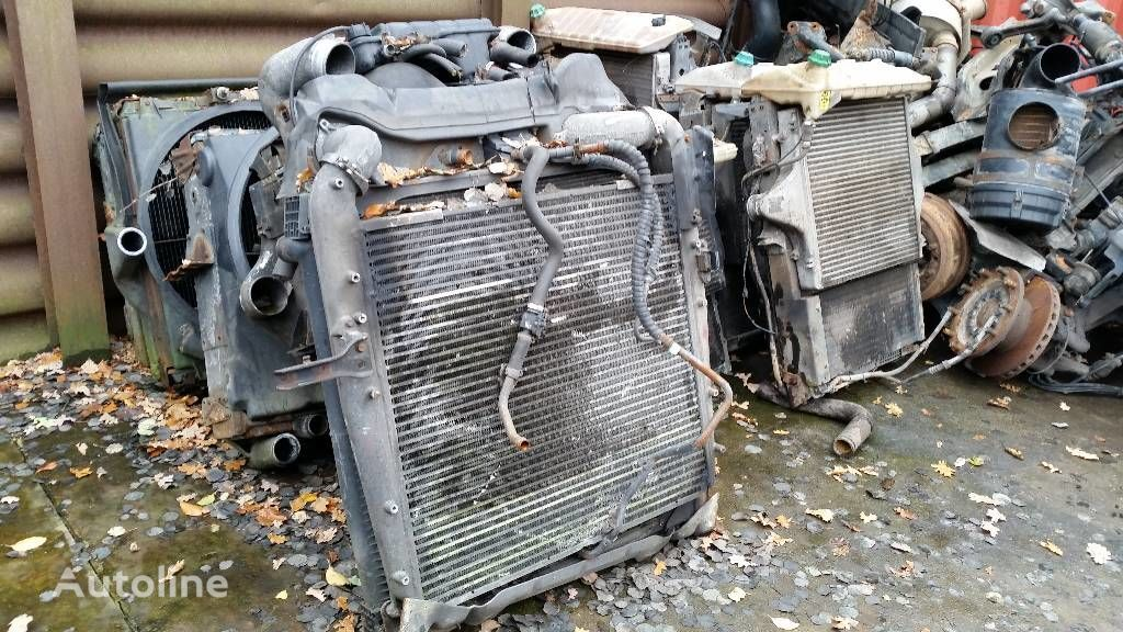engine cooling radiator for MERCEDES-BENZ 1840 truck