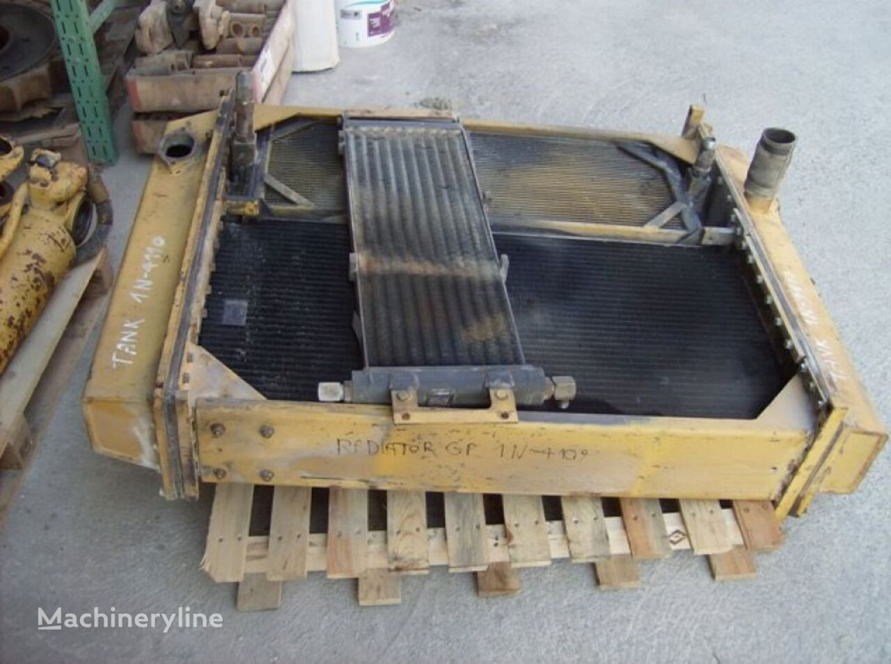 RADIATOR TANK 18Z01396 engine cooling radiator for CATERPILLAR 963 18Z01396 wheel loader