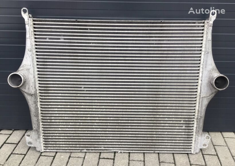 SCANIA engine cooling radiator for tractor unit