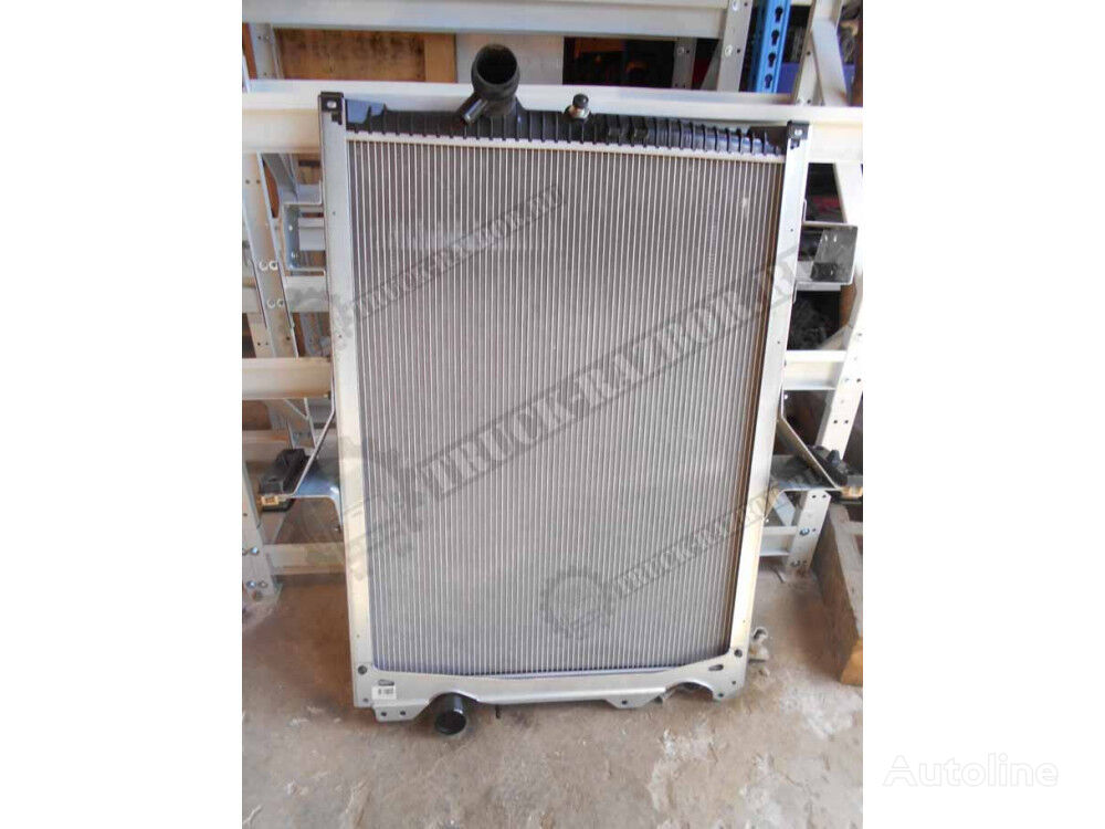 VOLVO radiator osnovnoy engine cooling radiator for VOLVO tractor unit