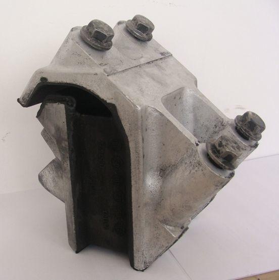 DAF engine support cushion for DAF XF 105 tractor unit