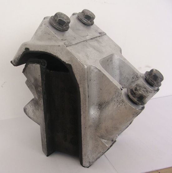 engine support cushion for DAF XF 105 tractor unit