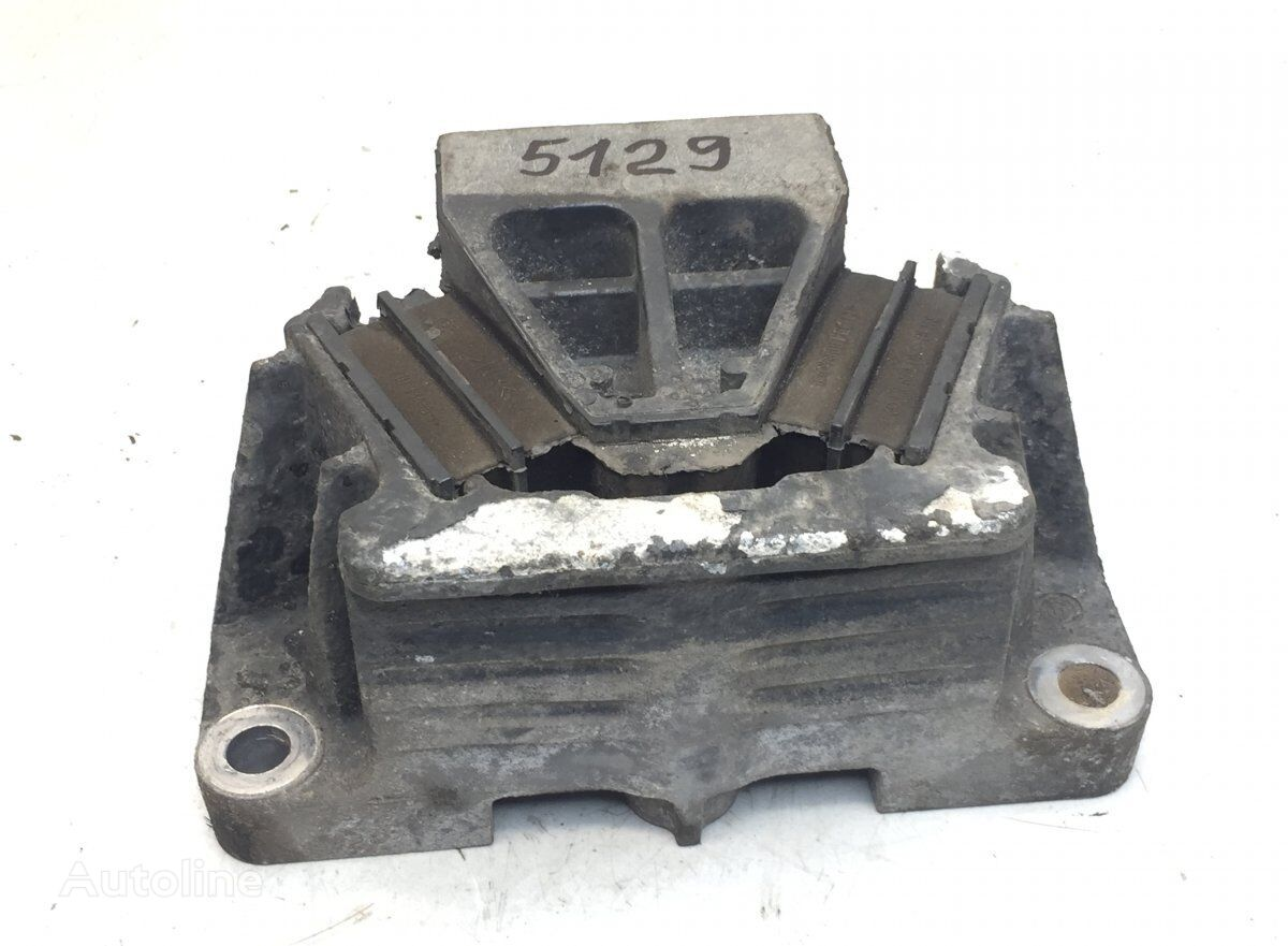 Engine Vibration Insulator, Front Left (9412417113) engine support cushion for MERCEDES-BENZ Actros MP2/MP3 (2002-2011) tractor unit