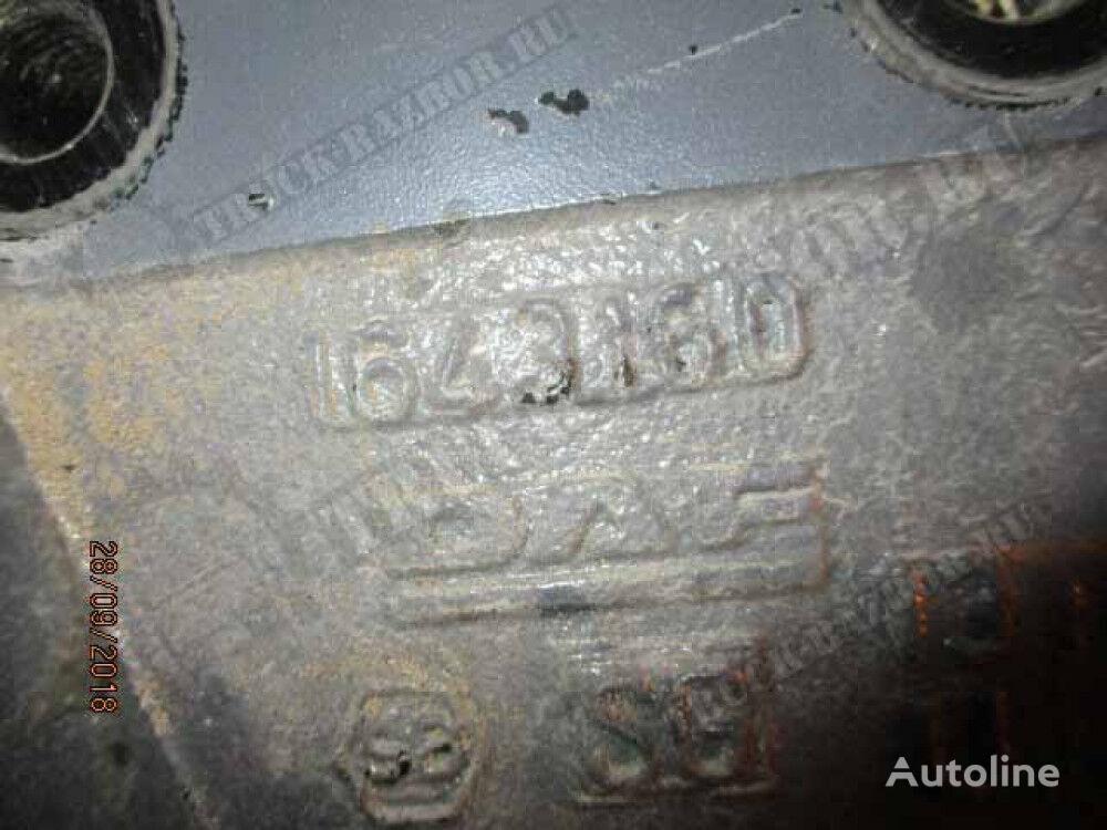 kronshteyn krepleniya peredney ressory, L fasteners for DAF tractor unit
