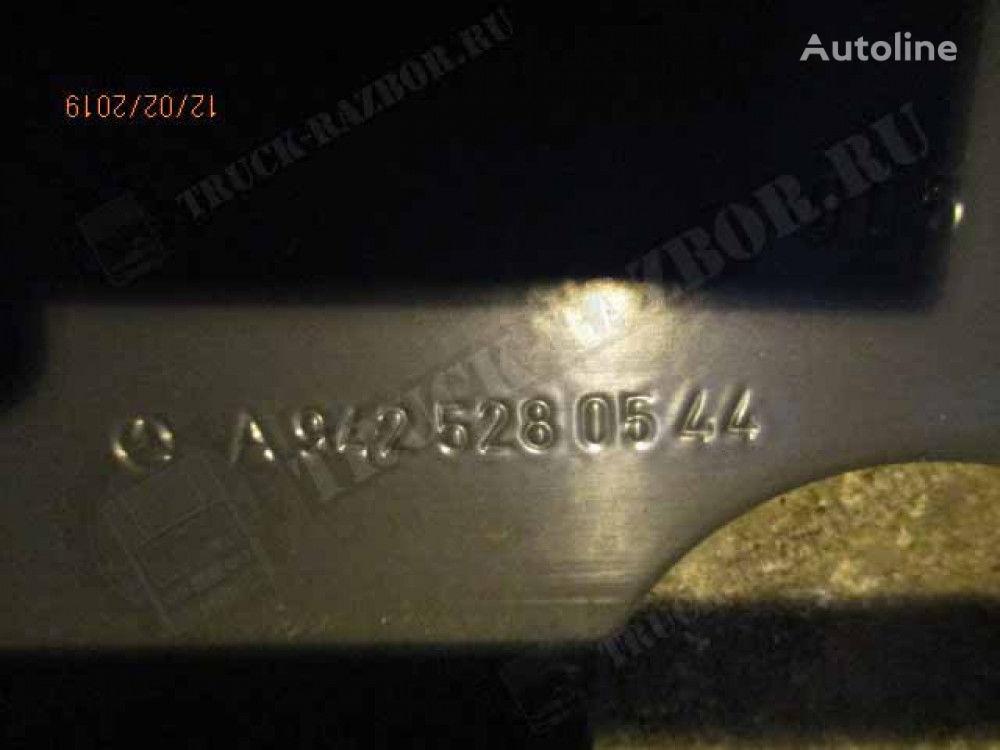 kronshteyn vozdushnogo filtra fasteners for MERCEDES-BENZ tractor unit
