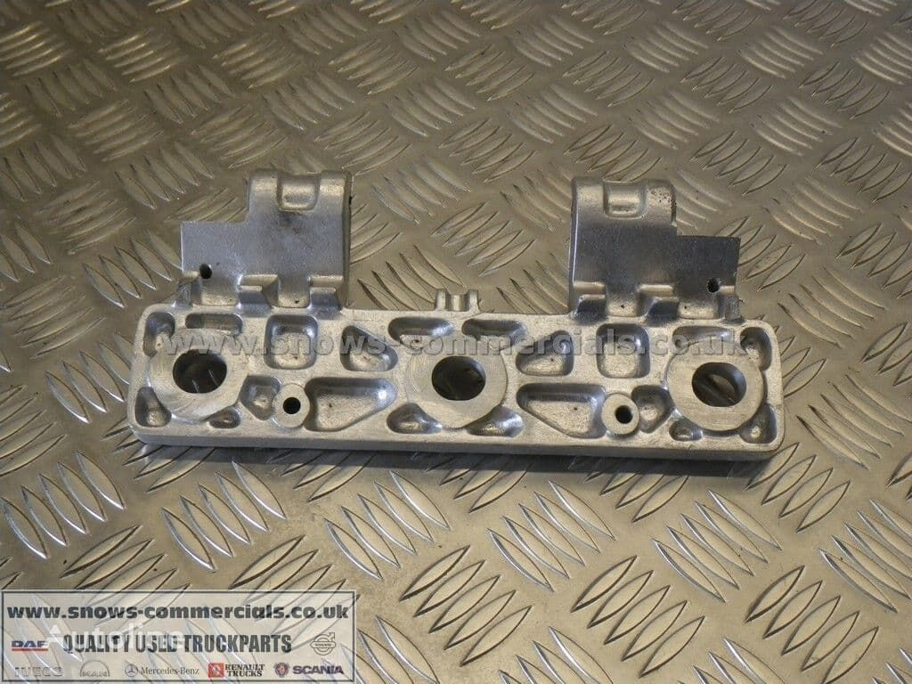 Grill step plate left/right fasteners for DAF 95XF truck