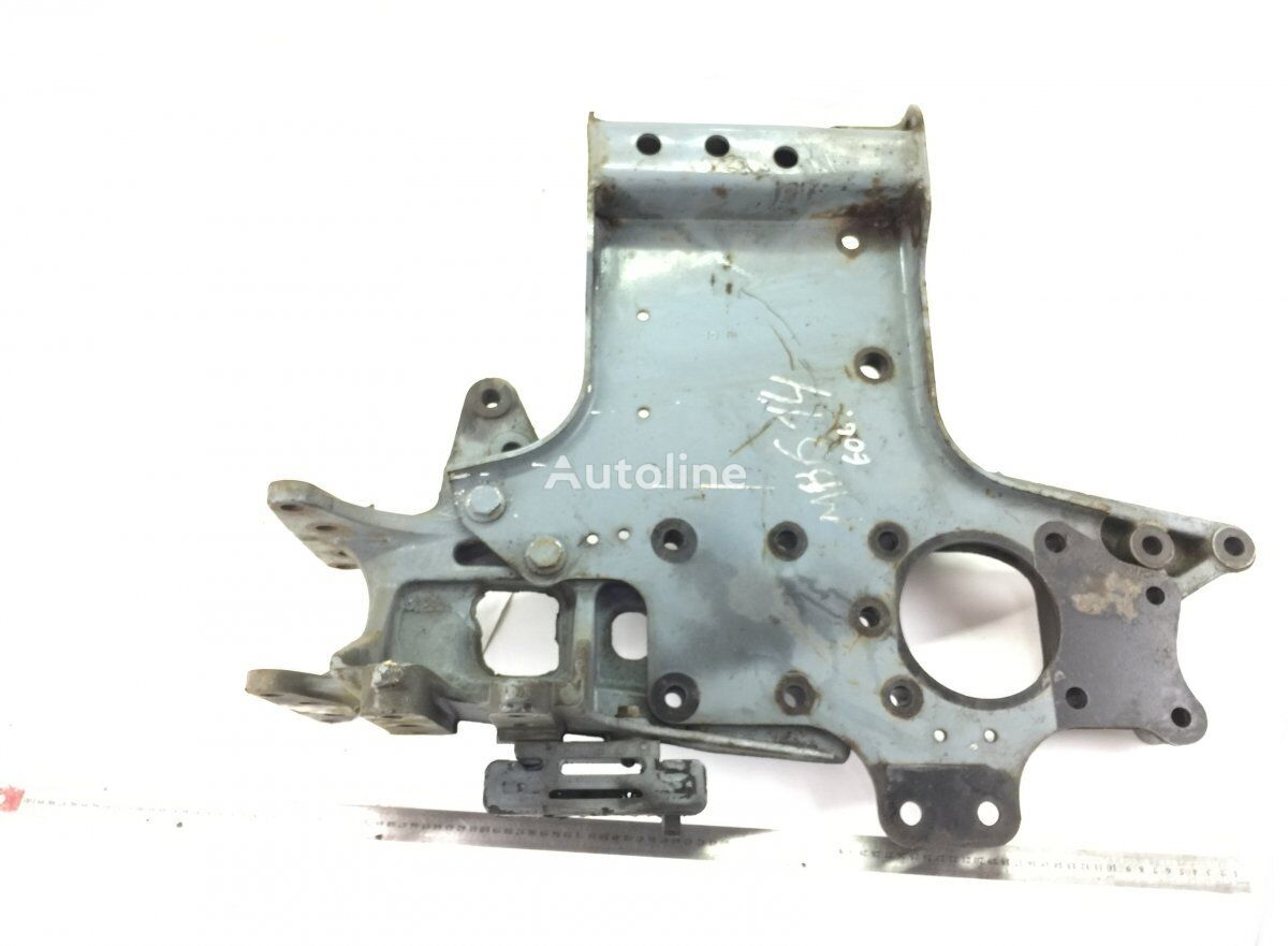 Front Bumper Bracket, Right fasteners for MERCEDES-BENZ Actros MP2/MP3 (2002-2011) tractor unit