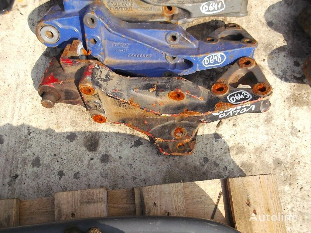 Zadniy kronshteyn ressory fasteners for truck