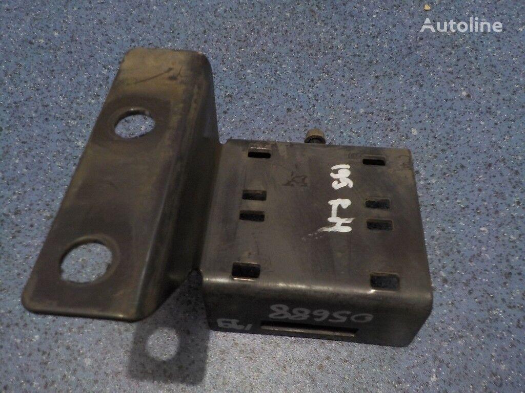 Kronshteyn truboprovoda Renault fasteners for truck