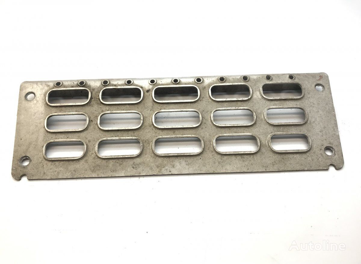 VOLVO Step Plate for Upper Boarding Unit, Upper Right (20379439 8191315) fasteners for VOLVO FM/FH (2005-2012) tractor unit