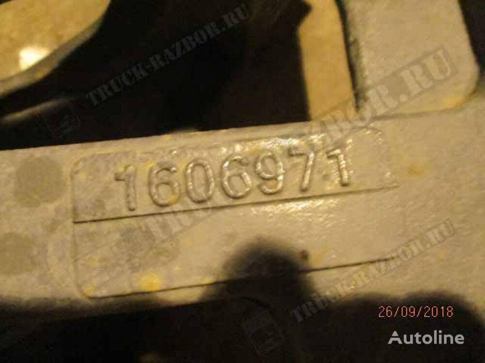 kronshteyn krepleniya peredney ressory R fasteners for DAF tractor unit