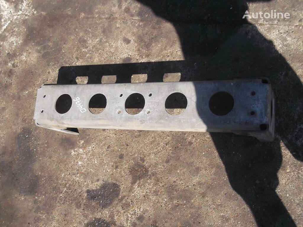 RENAULT Poperechina ramy perednyaya fasteners for truck