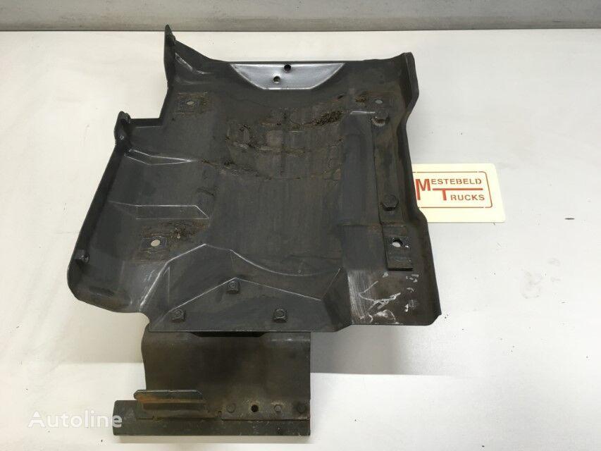 BEVESTIGINGSPLAAT LUCHTFILTER SCANIA fasteners for SCANIA G410 truck