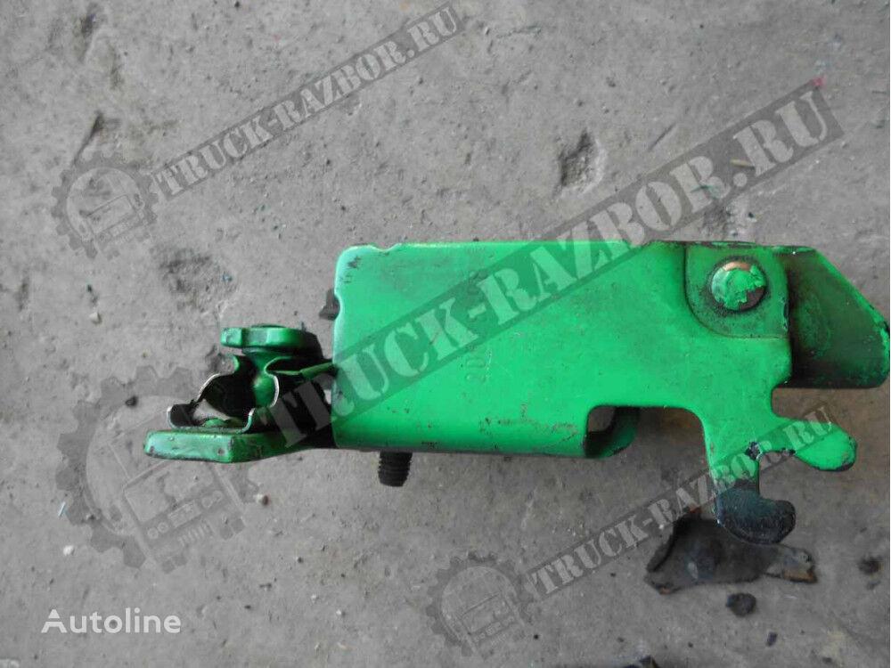 petlya reshetki radiatora VERH prav VOLVO fasteners for VOLVO   tractor unit