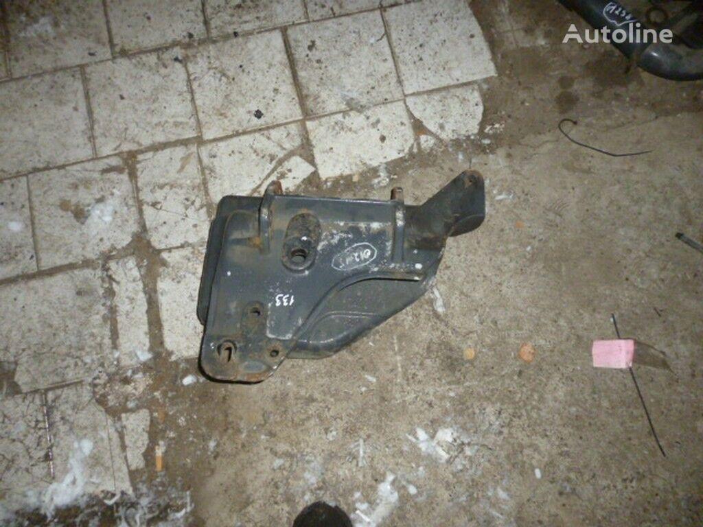 Kronshteyn krepleniya peredney ressory Renault fasteners for truck