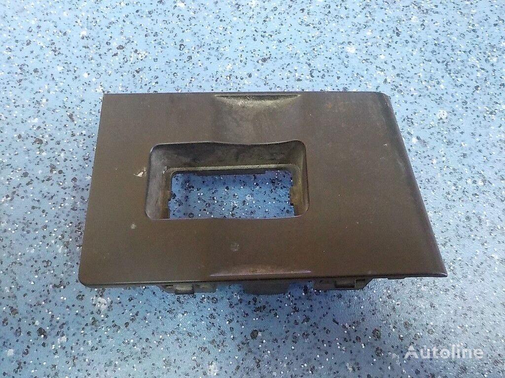 Nakladka pod knopku steklopodemnika fasteners for RENAULT truck