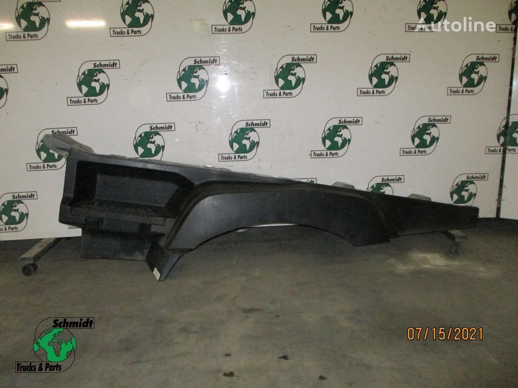 RENAULT footboard for truck