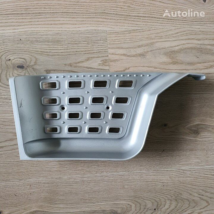 new (1798464 1945872) footboard for DAF XF106  tractor unit