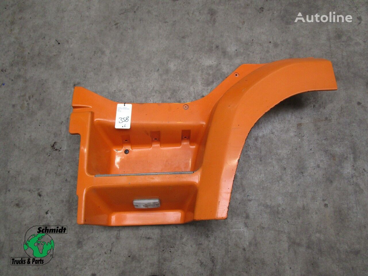 GINAF 1363816 footboard for GINAF tractor unit