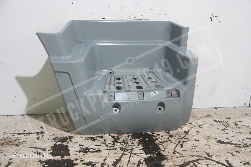 (504053091) footboard for IVECO Stralis R truck