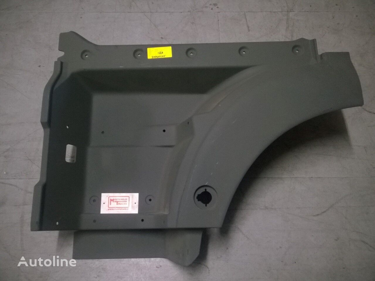 new MAN footboard for MAN Instapbak TGA tractor unit