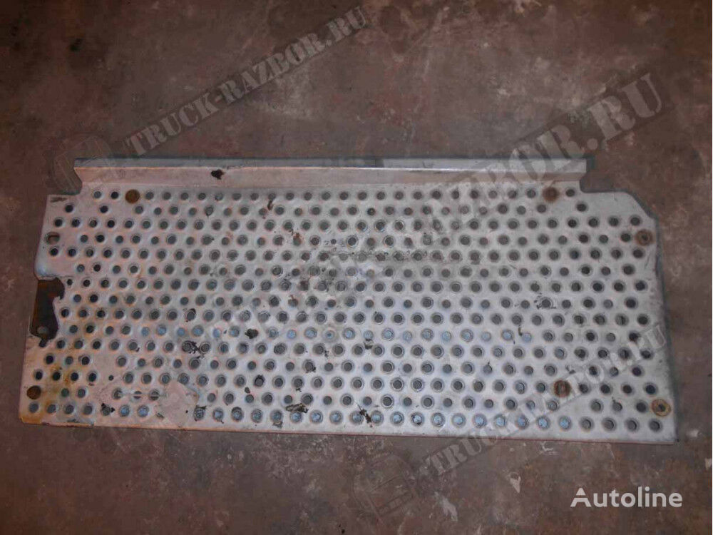 MERCEDES-BENZ footboard for MERCEDES-BENZ tractor unit