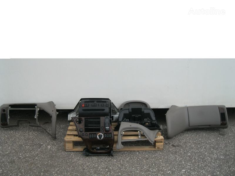 DAF PRZEKŁADKA PRZERÓBKA KABINY Z ANGLIKA front fascia for DAF XF 105 tractor unit