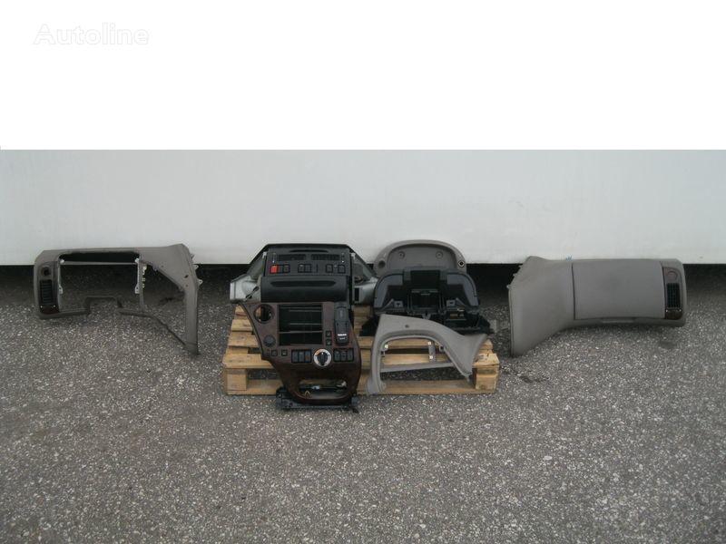 DAF WYPOSAŻENIE WNĘTRZA KABINY SSC front fascia for DAF XF 105 tractor unit