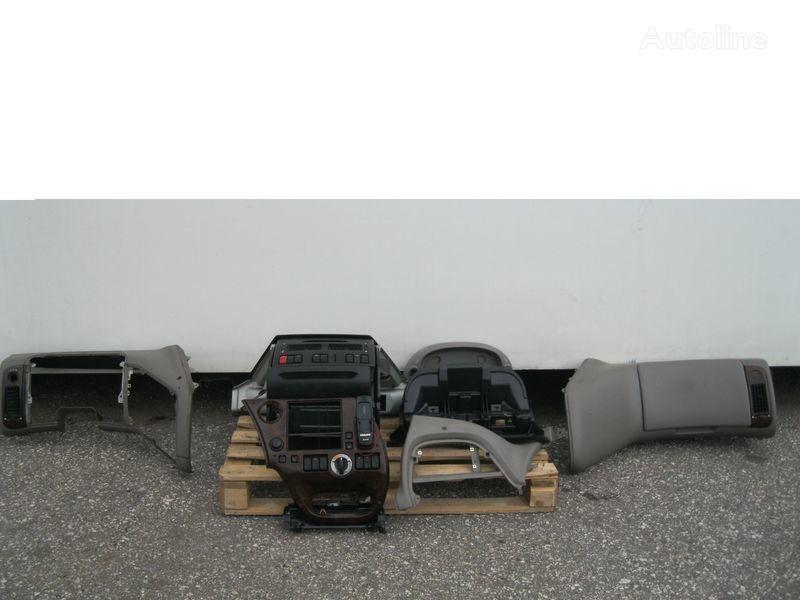 PRZEKŁADKA PRZERÓBKA KABINY Z ANGLIKA front fascia for DAF XF 105 tractor unit