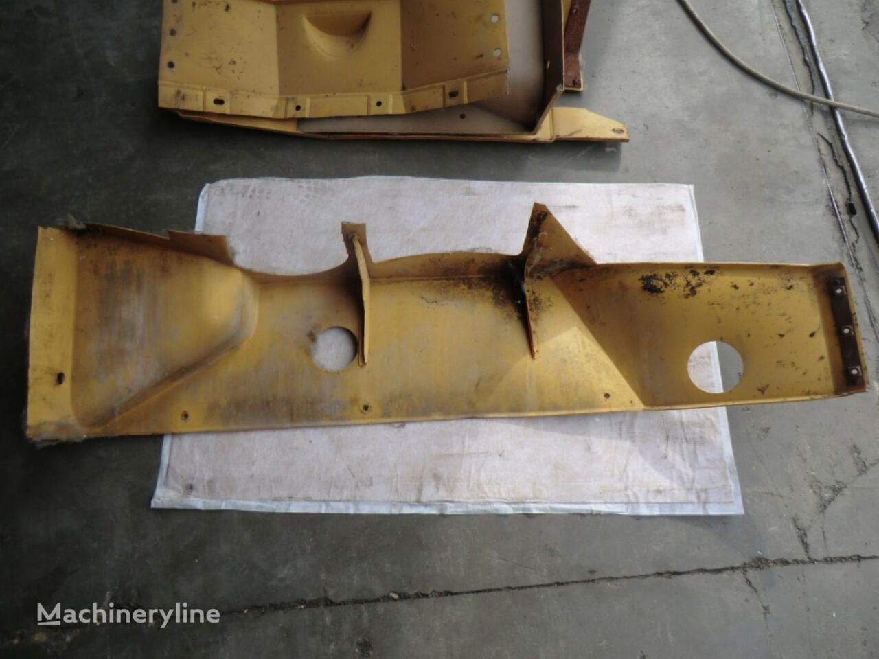 RH SHROUD AS front fascia for CATERPILLAR IT28B 5SD1310 wheel loader