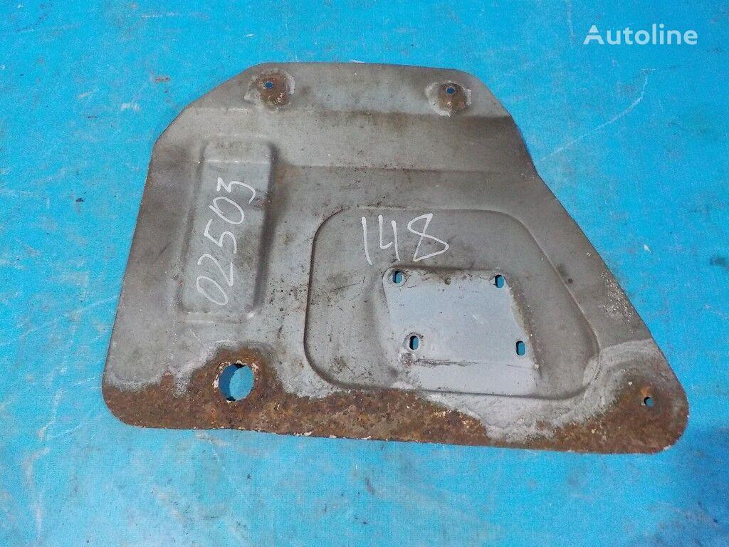 Teplozashchitnyy shchitok front fascia for MAN tractor unit
