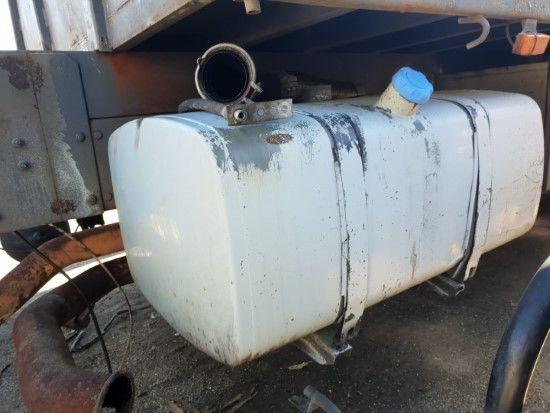 VOLVO (TANQUE DE COMBUSTIBLE) fuel tank for VOLVO FL6  truck