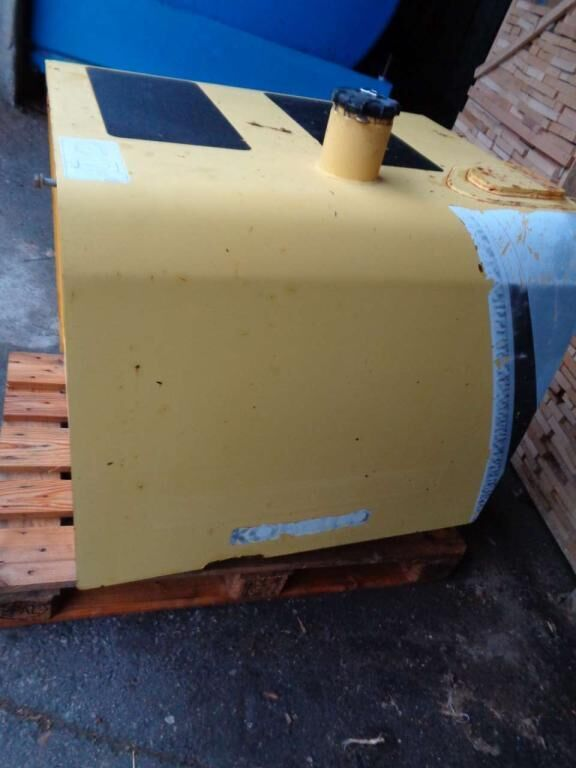 NEW HOLLAND fuel tank for NEW HOLLAND E 385 B excavator