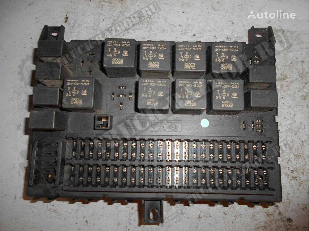 DAF blok predohraniteley (1795419) fuse block for DAF tractor unit
