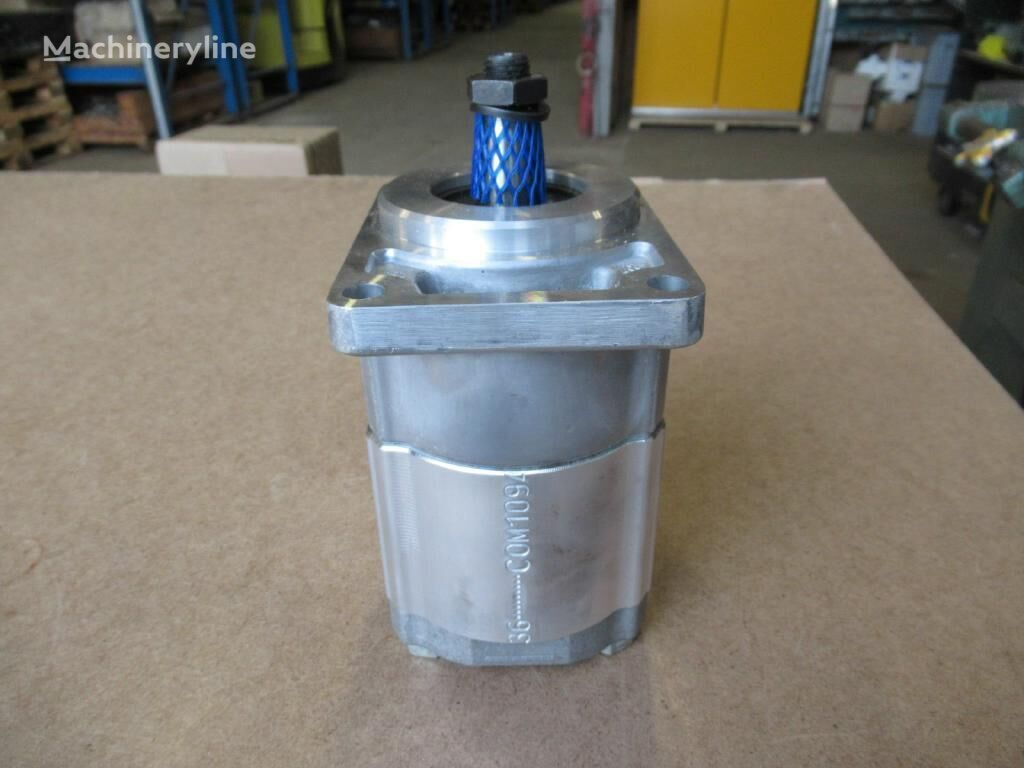 new Vickers (051702198) gear pump for excavator
