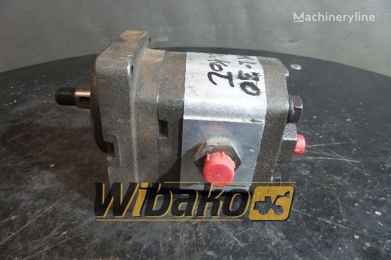 W5ML9RV23R gear pump for O&K L30 wheel loader