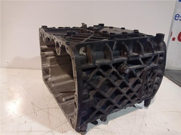 Carter Delantero Caja Cambios Renault Premium (5001825658) gearbox housing for RENAULT Premium tractor unit