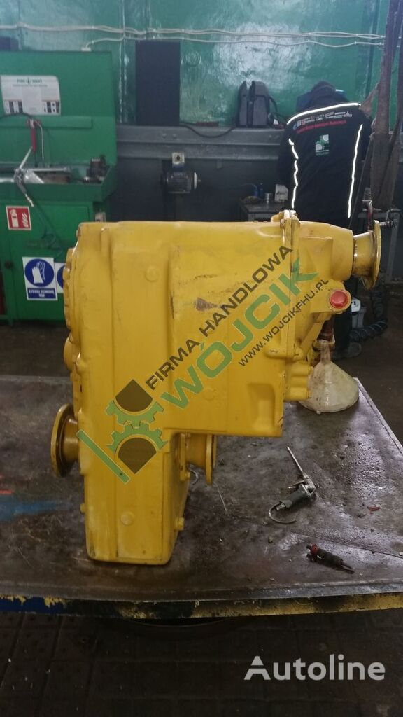 new CLARK R32000 Hurth gearbox for other construction machinery