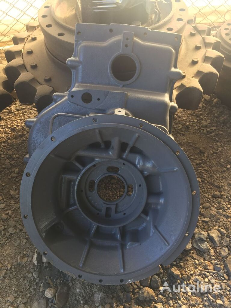 USED BACKHOE LOADER CARRARO TLB2 TRANSMISSION PARTS GEAR COVER S gearbox for backhoe loader