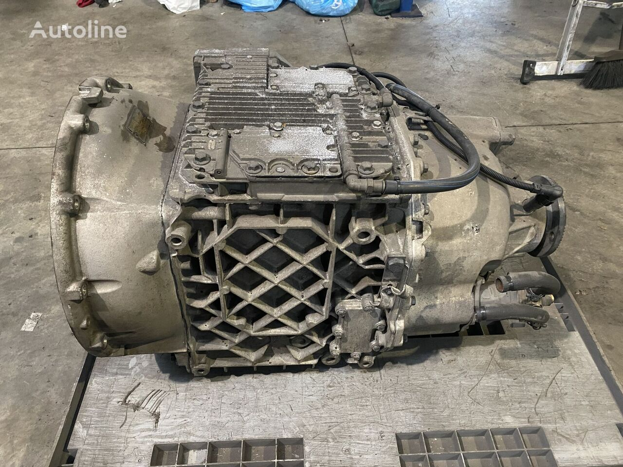 VOLVO VT2412B gearbox for truck