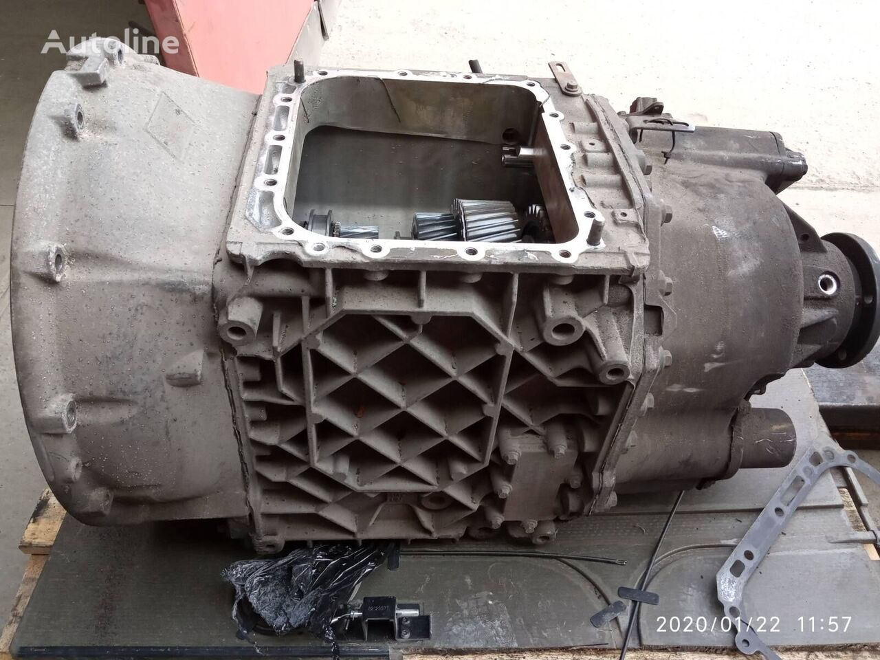 Vt2412B (3190332) gearbox for VOLVO FH/FM tractor unit