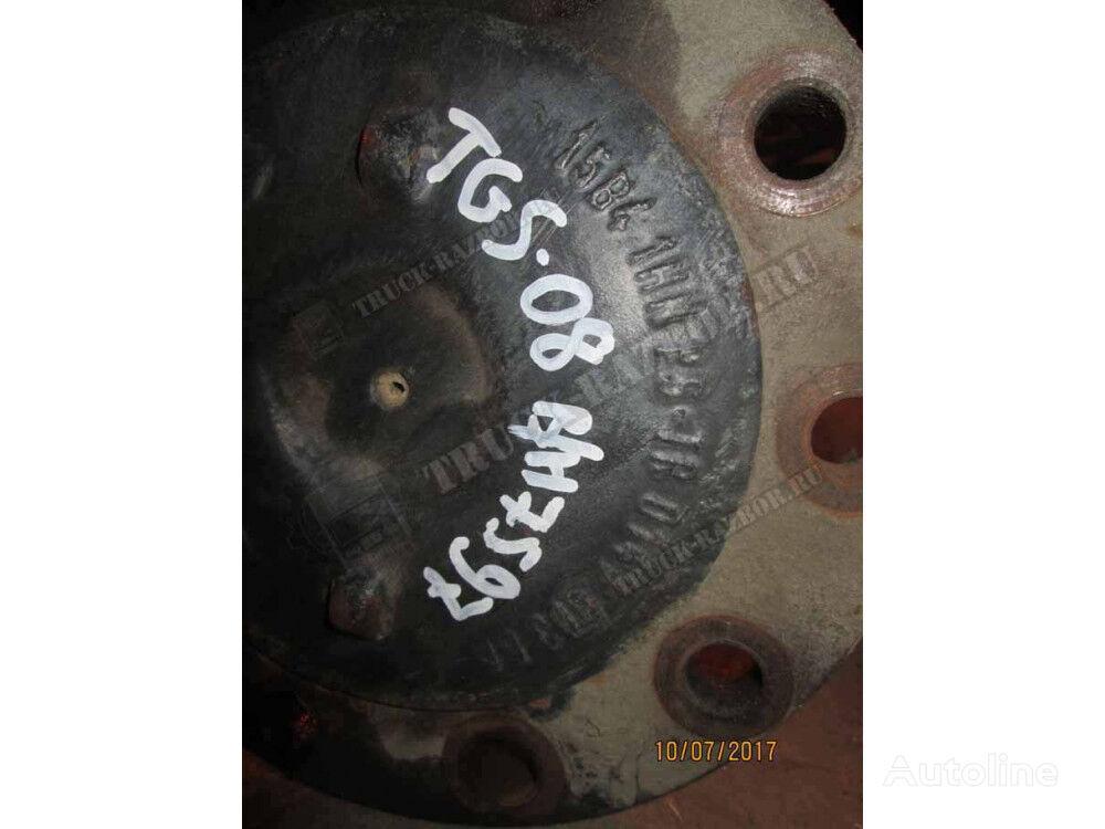 s blokirovkoy half-axle for MAN tractor unit