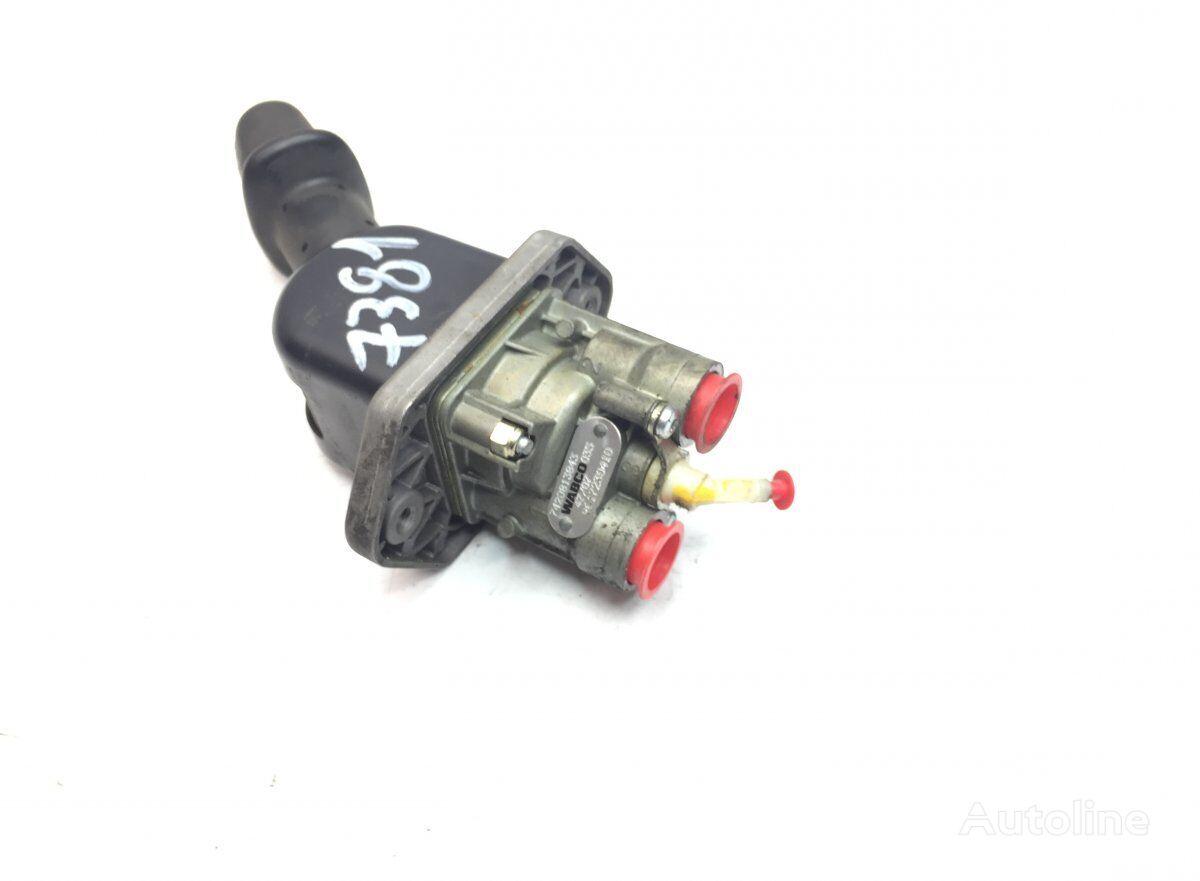 Hand Brake Valve (7420813843) hand brake valve for RENAULT Midlum (2000-) truck