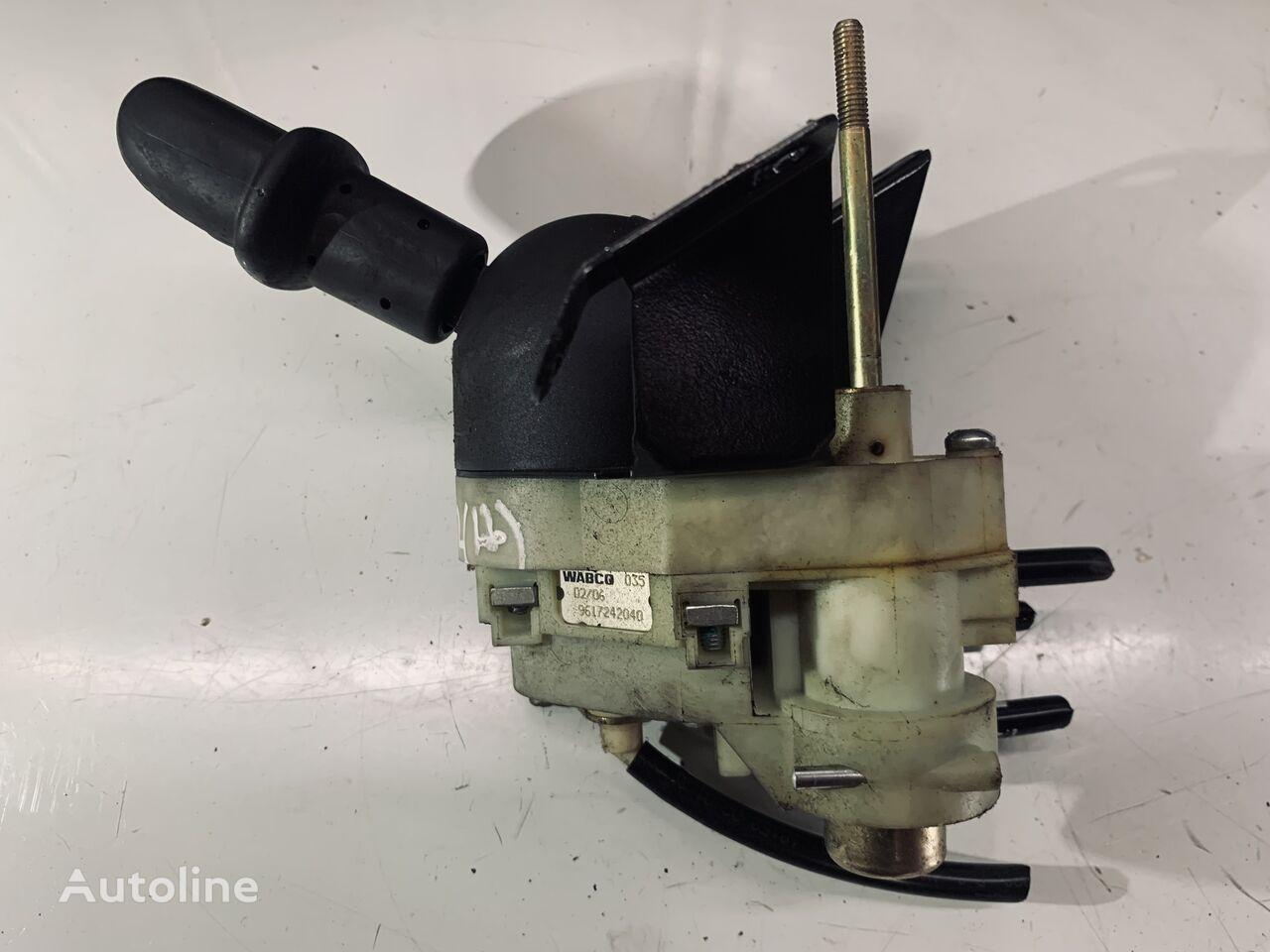 WABCO (9617242040) hand brake valve for VOLVO tractor unit