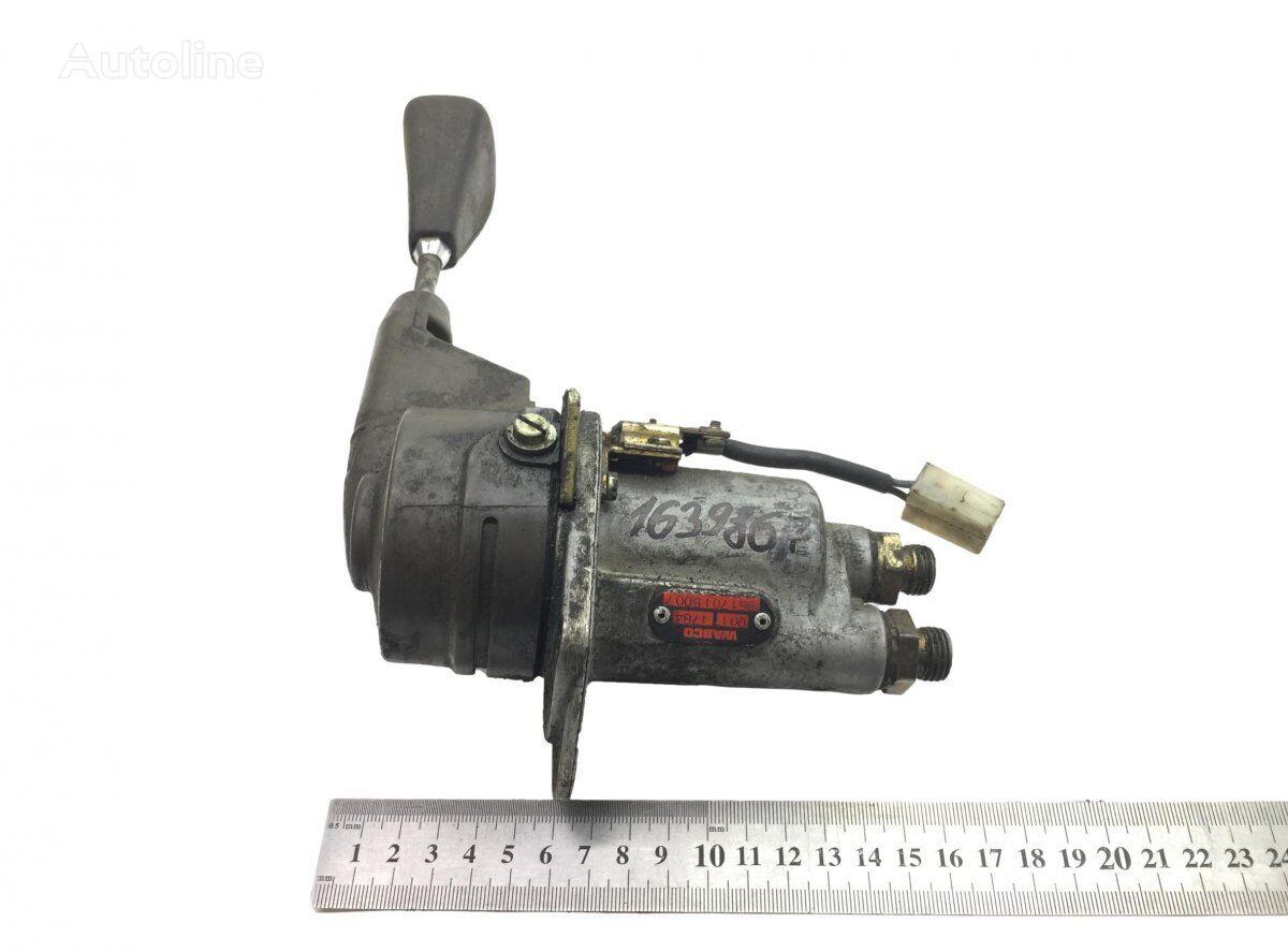 WABCO (9617015007) hand brake valve for MERCEDES-BENZ Atego (1996-2004) tractor unit