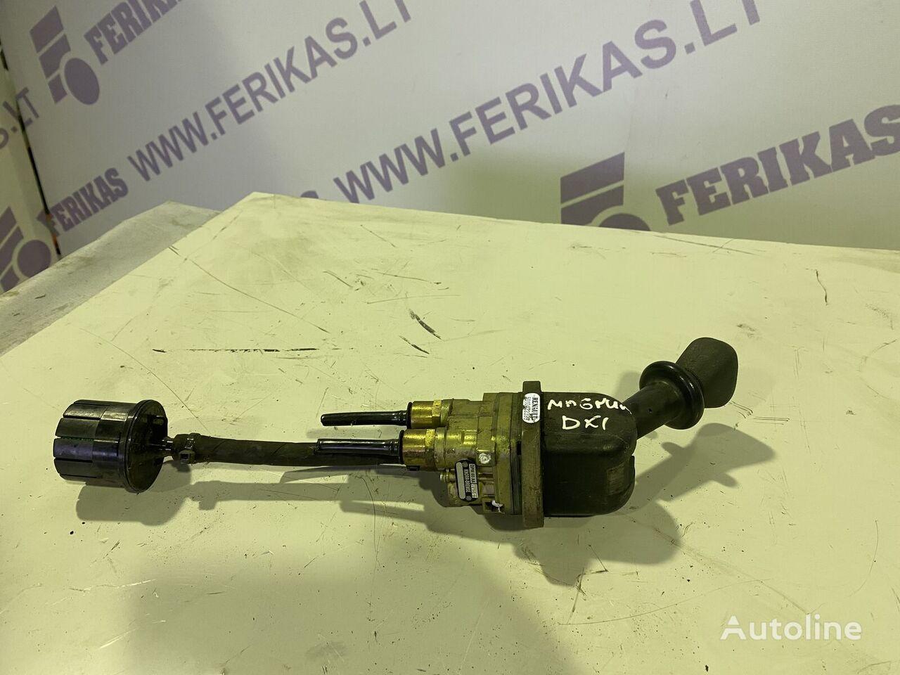 RENAULT (5010422399) hand brake valve for RENAULT Magnum tractor unit