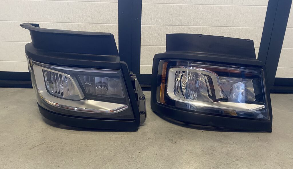 SCANIA headlight for tractor unit